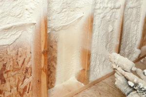 Isoler un mur intérieur : les isolants à prendre en compte