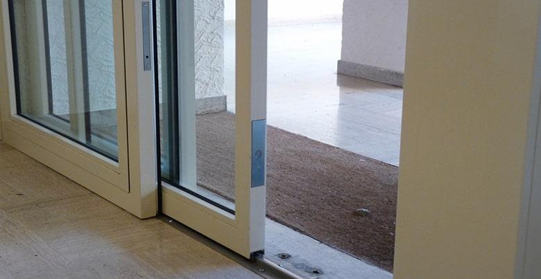 porte d'entrée coulissante PVC